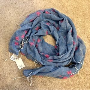 NWT GAP blue with pink detailing scarf